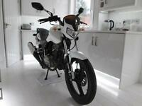 2014 ZONTES ZT 125-8A PANTHER WHITE IMMACULATE CONDITION ONLY 80 MILES