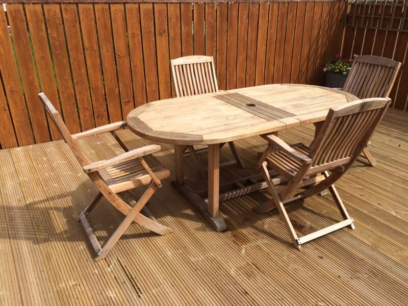 Gloster Bristol Teak extending garden table and 4 chairs. Gloster Bristol Teak extending garden table and 4 chairs   in
