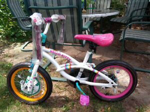 hello kitty bicycle 'new'