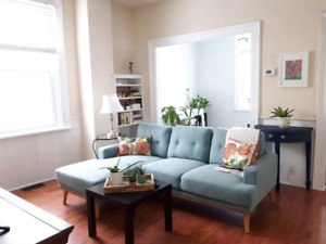 One Bedroom For Rent in Aurora May 1st