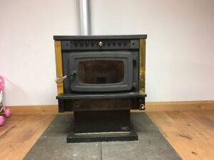 Pellet Stove with Chiminey for sale