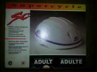 ADULT LARGE BIKE HELMET BRAND NEW IN THE BOX ONLY 11$