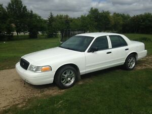 2008 Ford Crown Victoria 4-Door Sedan