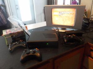 XBox 360 250 GO, 9 jeux et télé 20 po