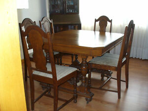 DININGROOMTABLE,CHAIRS= CHINA CABINET  SOLD  SEPARATELY London Ontario image 1