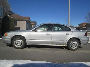 2004 Pontiac Grand Am SE - V6 Sedan