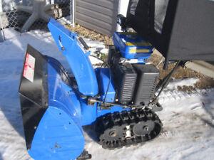 Yamaha 2 Stage Snow Blower YS828T c/w Electric Start