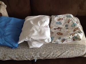 Crib sheets excellent condition