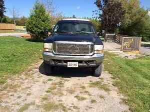 REDUCED. 2000 Ford F-350 XLT Pickup Truck