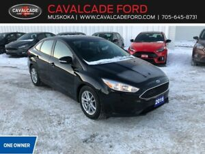 2016 Ford Focus Sedan SE with backup cam, htd front seats!!