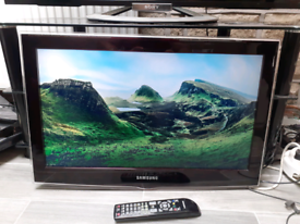 """Samsung 26"""" LCD HD TV FREEVIEW WITH REMOTE"""