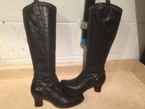 Women's Tall Leather Heels Size 6 London Ontario image 1