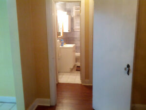 DUFFERIN AND LAWRENCE-MAIN FLOOR OF HOUSE FOR RENT