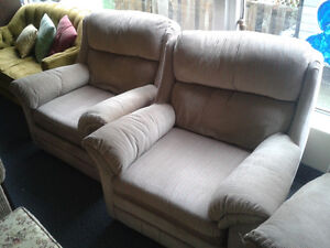 Affordable Couches Loveseats at the Meetinghouse! Windsor Region Ontario image 4