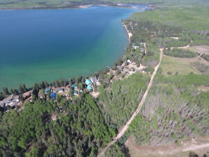 2 bedroom Cabin for sale!  Meadow Lake Provincial Park!