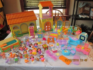 DORA HOUSE POOL PLAYSET TALKING WITH  FIGURES & ACCS