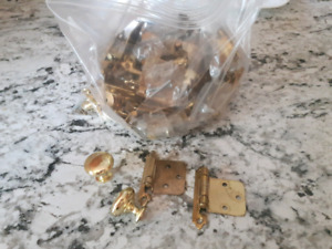 Cabinet knobs and hinges (used)- Gold