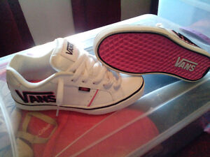 Brand New in Box VANS pink , black and white shoes size 8 fit sm