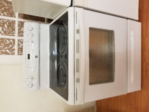 "Kenmore 30"" white ceramic top electric stove CONVECTION OVEN 2YR"