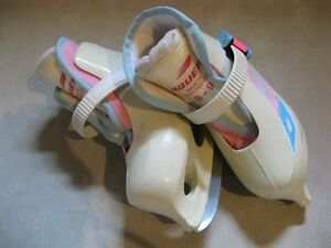 Toddler skates size 8-9