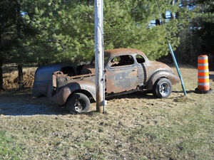 1938 Plymouth Coupe ( Lawn Art - Rat Rod )