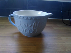 Selection of Mason Cash kitchenware from England.