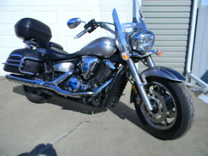 2007 Yamaha V Star 1300 Fuel Injected  Touring mint condtion