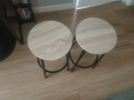 2 stools £10