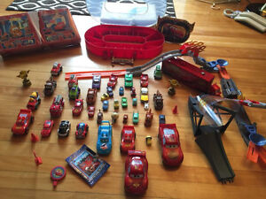 Jouets autos Disney CARS- FLASH LIGHTNING McQUEEN lego NEW !