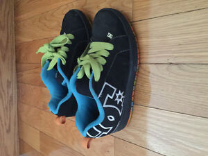 Men's or girls shoes