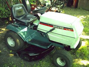 Tracteur a gazon WHITE  15 forces 38 pouces de coupes