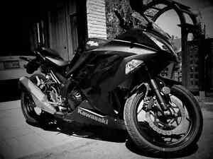 motocyclette Kawasaki ninja EX300 ABS