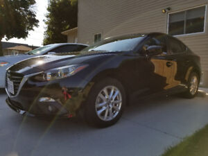 2015 Mazda3 Low Mileage + Moon Roof