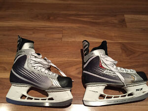 Great condition men's size 8 Bauer hockey skates