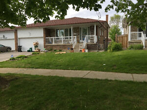 BEAUTIFUL NEWLY RENOVATED 2 BDRM HOME (FURNISHED)