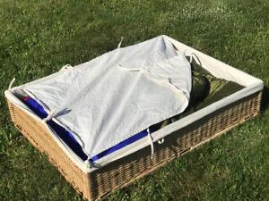 Coffre de rangement IKEA pour sous un lit, modele RÖMSKOG