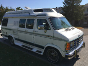 1992 Dodge Leisure Camper Van