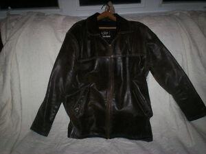 Manteau de cuir brun