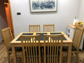 Oak dining table and x6 chairs