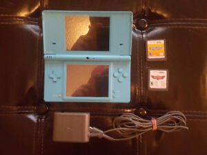 Blue Nintendo DS Lot w/ Mario Party and More