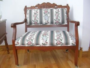 Antique/Vintage Settee