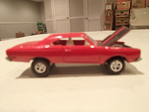 Loose Red 1969 '69 PLYMOUTH ROAD RUNNER by JOHNNY LIGHTNING 1/