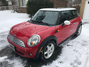 2010 Mini Cooper, LOW kms and mint condition