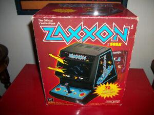 Vintage 1982 SEGA Mini Arcade Game ZAXXON w/The Original Box