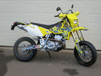 Suzuki DRZ 400 sm street and trail