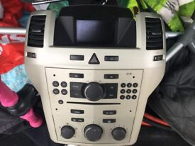 Vauxhall Zafira CD player with screen and code £50