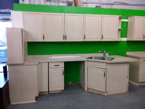 Complete kitchen cabinets with uppers and lowers