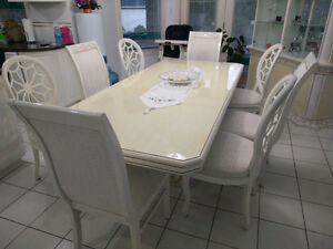 Gorgeous Italian Made White Dining Set (Great Condition)