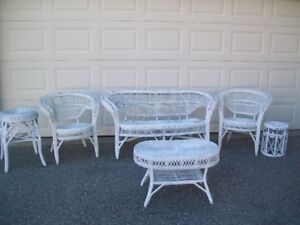 WHITE WICKER Set 6 Piece Settee, 2 Chairs, 1 Coffee Table, 2 Sta