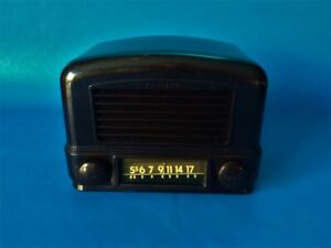 Vintage 1948 Wards Airline Tube Radio Model 748BR-1501B Walnut
